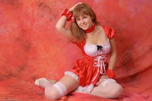 http://img201.imagevenue.com/loc189/th_829429514_tduid300163_Silver_Sandrinya_maid_2_051_122_189lo.JPG