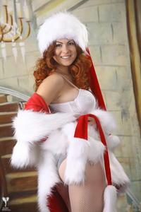 http://img201.imagevenue.com/loc246/th_531737874_silver_angels_Sandrinya_I_Christmas_1_117_123_246lo.jpg