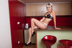 http://img201.imagevenue.com/loc248/th_651201143_tduid300163_TeenMarvel_Lili_Maid_039_122_248lo.jpg