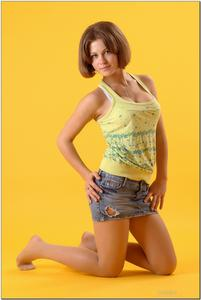 http://img201.imagevenue.com/loc454/th_278897467_tduid300163_sandrinya_model_denimmini_teenmodeling_tv_032_122_454lo.jpg