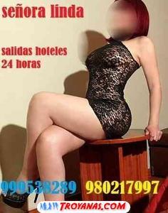 th_276402223_b_605697_senora_linda_madur