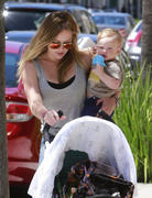 http://img201.imagevenue.com/loc570/th_458029115_Hilary_Duff_out_and_about_Beverly_Hills22_122_570lo.jpg